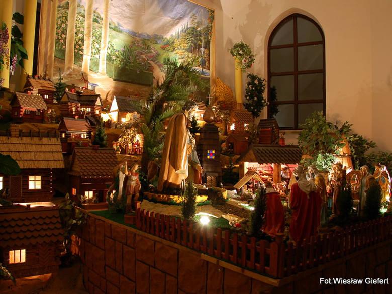 Szopka w kościele w Średniej Wsi. Zdjęcia od Internauty