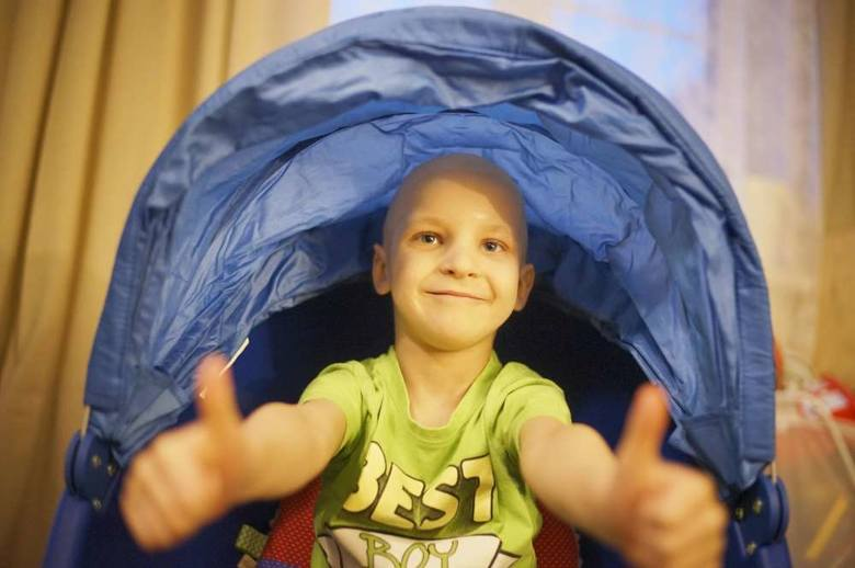 Na immunoterapię muszą pojechać do Krakowa. NFZ jej nie finansuje. Trzeba ją przeprowadzić najpóźniej po 120 dniach od momentu przeszczepu komórek macierzystych.