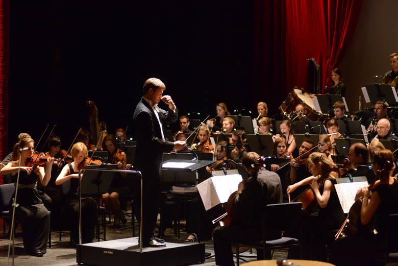 SoSimple Symphony Orchestra pod batutą Przemysława Neumanna.