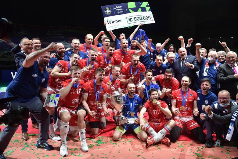 Siatkarze Grupy Azoty ZAKSA Kędzierzyn-Koźle pokonali w finale Ligi Mistrzów Itas Trentino 3:1. Udział w tym historycznym sukcesie mieli siatkarz pochodzący