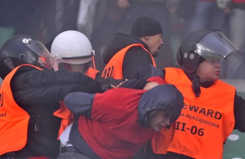 Do kolejnych burd z udziałem pseudokibiców Legii doszło niemal rok później. W czasie finału Pucharu Polski, w którym Legia zmierzyła się z Wisłą Kraków,