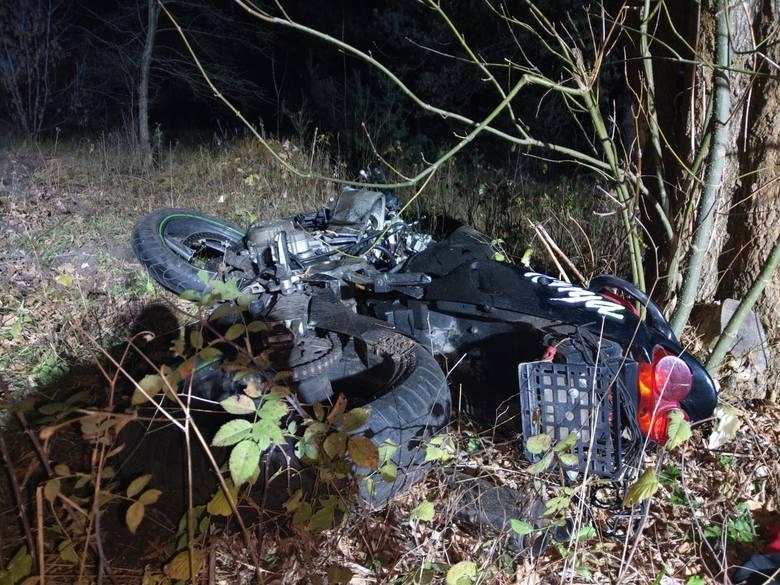 Śmiertelny wypadek motocyklisty w Tomaszowie. 23-letni mężczyzna poniósł śmierć na miejscu. CZYTAJ WIĘCEJ >>>>