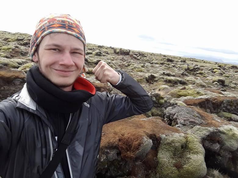 Jedzie na rowerze dookoła Islandii. I po drodze napotyka Anioły [zdjęcia]
