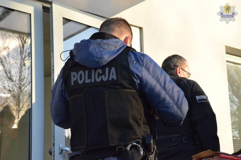 Afera korupcyjna w Marynarce Wojennej w Wejherowie. 2 osoby zatrzymane [ZDJĘCIA, WIDEO]