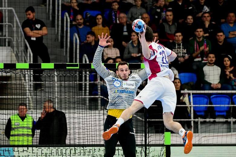 Piłkarze ręczni PGE VIVE Kielce zremisowali w sobotę w Zaporożu pierwszy mecz 1/8 Ligi Mistrzów z Motorem 33:33. Znakomite spotkanie rozegrali dwaj rozgrywający