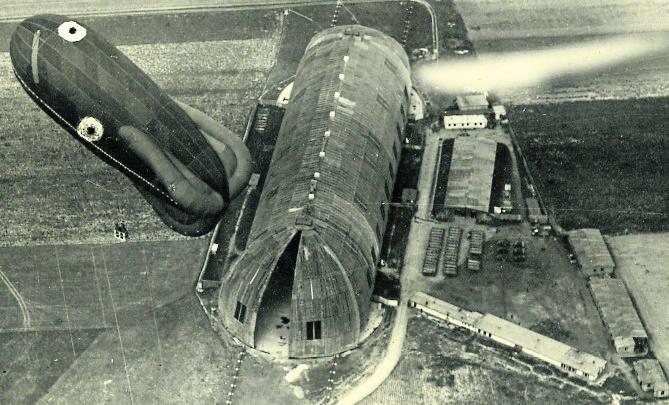 Hala Zeppelina na poznańskich Winogradach była miejscem największej zdobyczy z czasów Powstania Wielkopolskiego. Dzięki niej - przejęciu zmagazynowanych samolotów -  zaistniało polskie lotnictwo. Później planowano urządzić tu wytwórnię filmową, a teraz został kawałek murku i tabliczka. Amen<br />