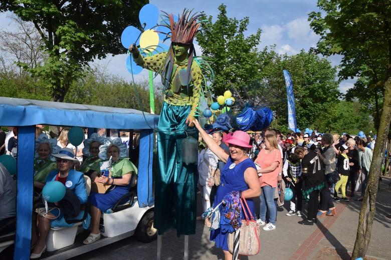 Wielka parada w Ciechocinku przyciągnęła tysiące osób. 1 maja mieszkańcy i turyści  uczcili rozpoczęcie sezonu letniego.To już 3. edycja imprezy, która