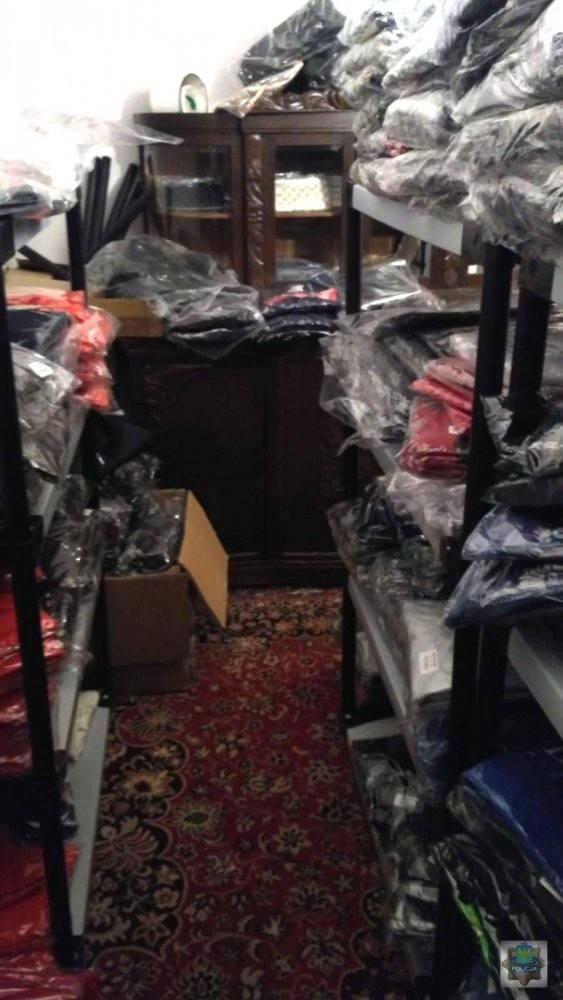 bb603b68ed1d2d Nielegalna hurtownia podrobionych ubrań i perfum w Opolu. 10 milionów  złotych strat! Zatrzymana 49