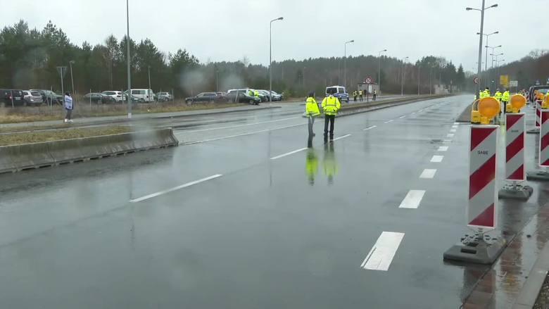 Niemcy otwierają punkt testów na COVID-19 na granicy z Polską.Zobacz kolejne zdjęcia. Przesuwaj zdjęcia w prawo - naciśnij strzałkę lub przycisk NAS