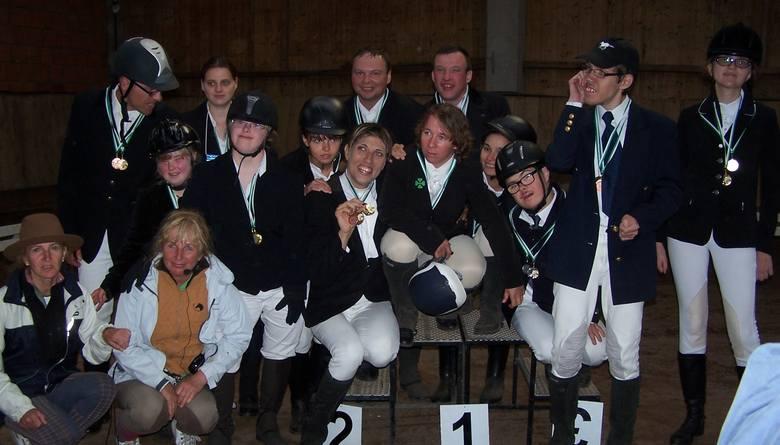 """W Klubie """"Olimpijskie Konie"""" trenuje siedemnastu zawodników niepełnosprawnych intelektualnie"""