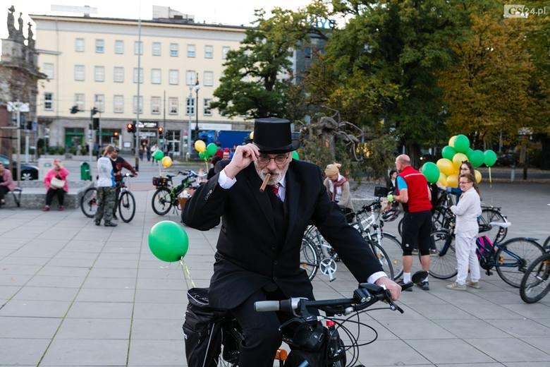 Był to pierwszy rowerowy Tweed Ride w naszym mieście. Odbył się również konkurs na najlepszą stylizację. Na koniec odbyła się swingowa potańcówka w Piwnicy