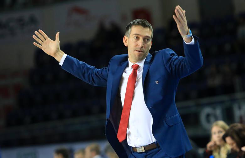 W przyszłym sezonie koszykarzy Polskiego Cukru Toruń poprowadzi nowy szkoleniowiec. W środę okazało się, że Dejan Mihevc, dotychczasowy trener Twardych