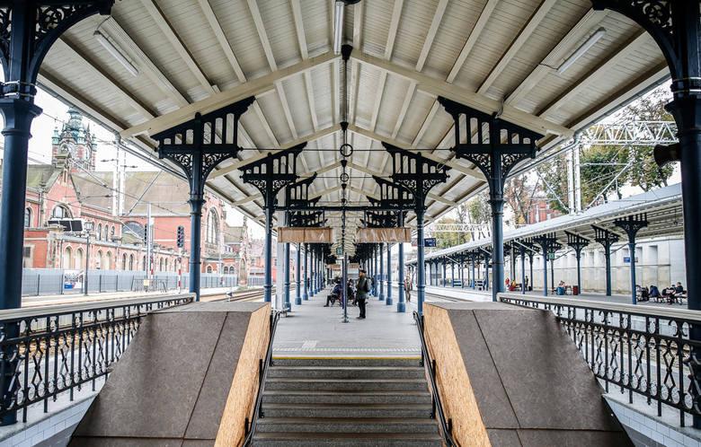 Modernizacja stacji Gdańsk Główny: oba perony dalekobieżne już wyremontowane, otwarto także tunel prowadzący na nie z budynku dworca