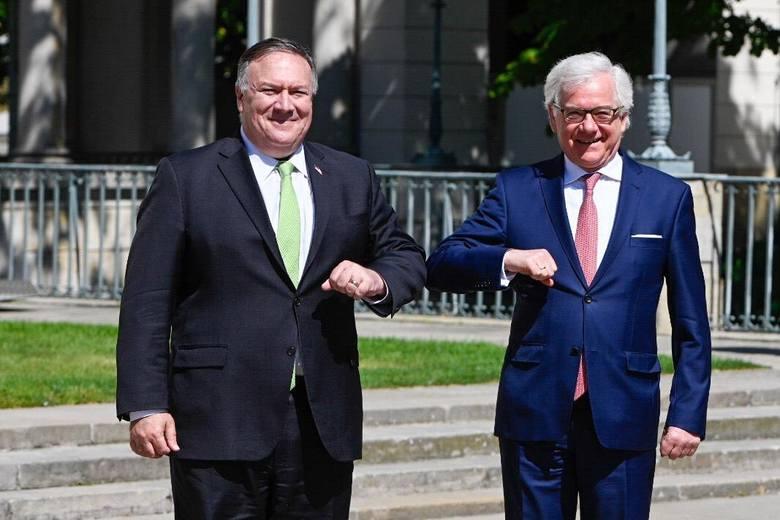 Na koniec wizyty w Polsce Pompeo spotkał się z szefem polskiego MSZ Jackiem Czaputowiczem.