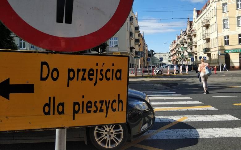 Prace na skrzyżowaniu ul. Bolesława Śmiałego i Krzywoustego w Szczecinie