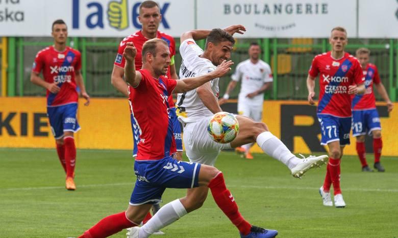 W sobotę po dobrym meczu Korona wygrała z Rakowem Częstochowa w Bełchatowie 1:0. Choć kielczanie wygrali skromnie, to w inaugurującym sezon ekstraklasy