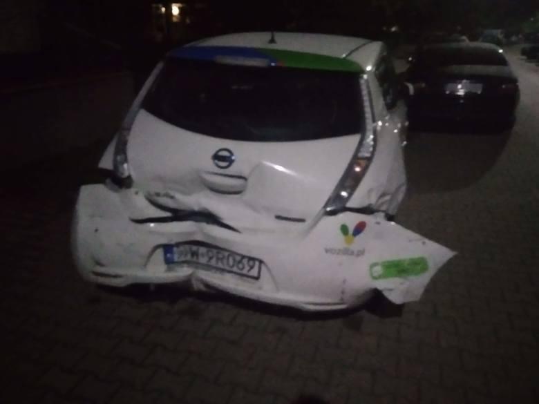 Jechał Vozillą i rozbijał inne auta. Potem uciekł