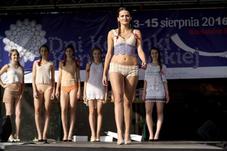 W ostatni długi weekend 13-15 sierpnia, w Chacie na Szańcach w Koniakowie odbyły się Dni Koronki Koniakowskiej 2016. W ramach imprezy zorganizowano m.in.