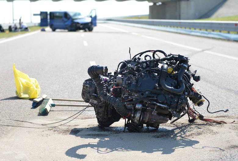 Do wypadku doszło we wtorek około godz. 9 na autostradzie A4, w kierunku Korczowej, na wysokości węzła Przemyśl. - Jak wstępnie ustalono, 20-letni kierujący