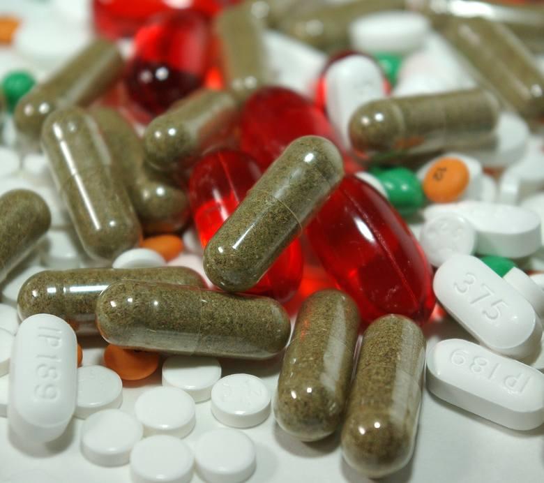 Niesteroidowe leki przeciwzapalneTego typu lepki osłabiają działanie szczepionki na grypę. Możliwe, zę także tej na Covid-19