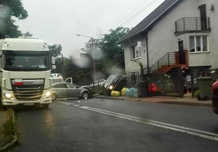 O tym wypadku w czwartek, 12 lipca, poinformowało nas kilku kierowców, którzy poruszali się drogą wojewódzką nr 132. W Kamieniu małym zderzyły się dwa