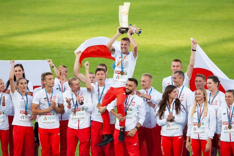Nasi lekkoatleci wywalczyli w Bydgoszczy złote medale drużynowych mistrzostw Europy. Kilkanaście tysięcy widzów odśpiewało Mazurka Dąbrowskiego! Potem