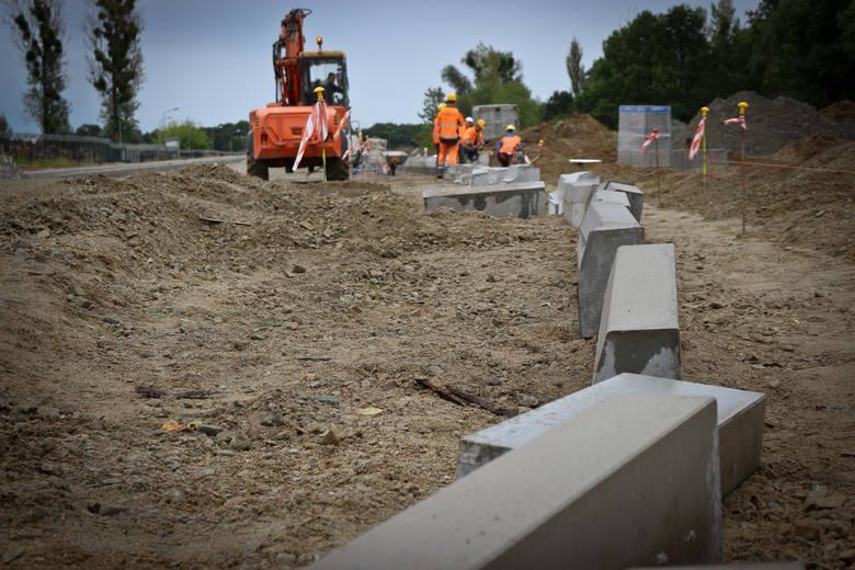 Urzędnicy na trasie planowanej obwodnicy Kędzierzyna-Koźla pozwolili ludziom budować domy