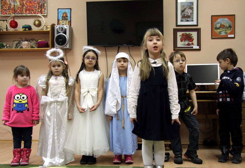 Dzień Dziadka: Przedszkolaki z Przedszkola Nr 28 odwiedziły seniorów (ZDJĘCIA)