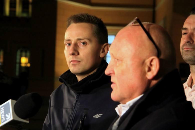 Dutkiewicz i Sutryk: Zakazujemy organizacji Marszu Niepodległości. Międlar podarł decyzję