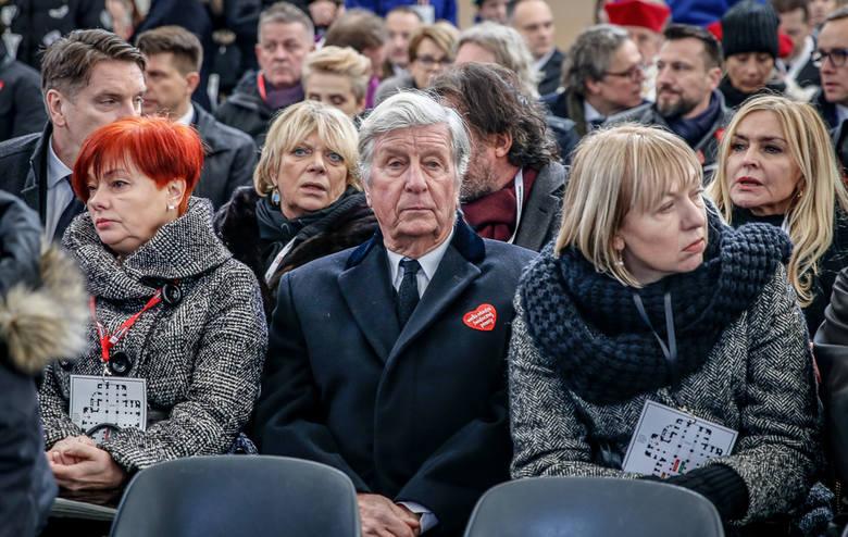 Politycy, samorządowcy, społecznicy na pogrzebie prezydenta Gdańska. 3,5 tysiąca osób w Bazylice Mariackiej!