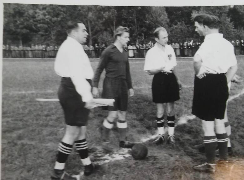 Zanim powstał stadion Gwardii, mecze piłkarskie w Białymstoku rozgrywano na dzisiejszym stadionie lekkoatletycznym.