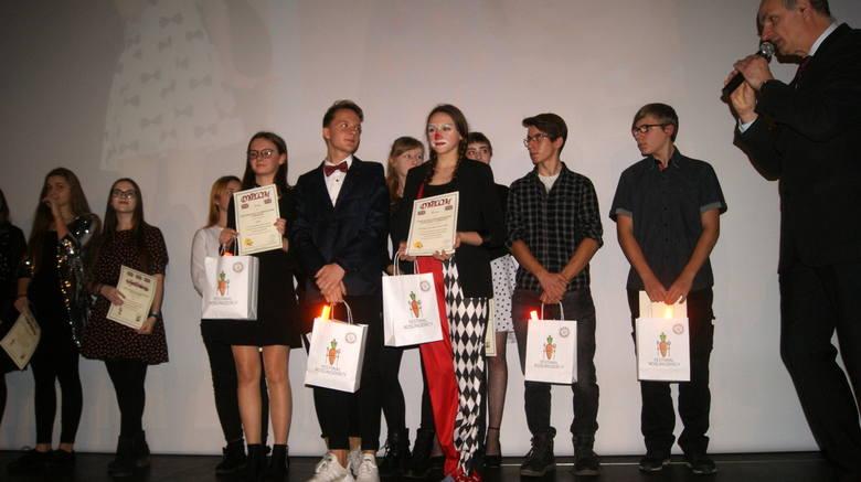 XIV Wojewódzki Konkurs Piosenki w Języku Obcym w Skierniewicach [ZDJĘCIA, FILM]