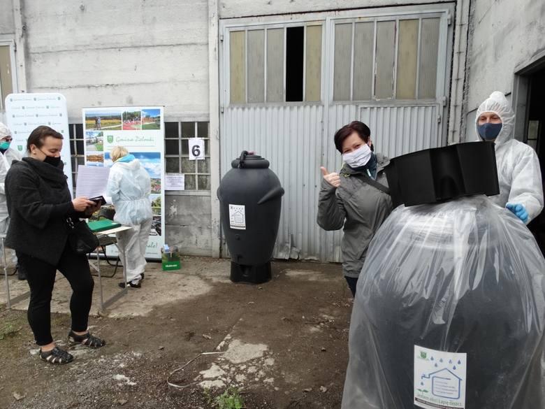 W gminie Zielonki zostały rozdane pierwsze zbiorniki na deszczówkę. Kolejne partie będą rozdawane we wtorek