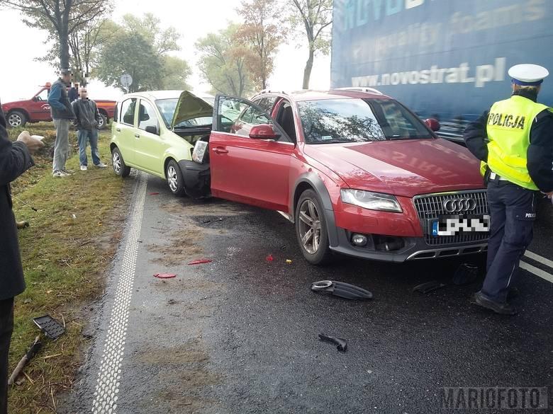 Dziś rano na drodze krajowej nr 41 pomiędzy Wierzbięcicami a Piorunkowicami zderzyły się trzy samochody. Fiat panda kierowany przez 22-latkę najechał