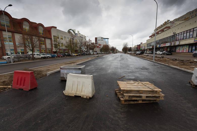 Tak wyglądała przebudowa ulica Legionowej. Zdjęcia zrobione zostały w okresie lipiec-październik.