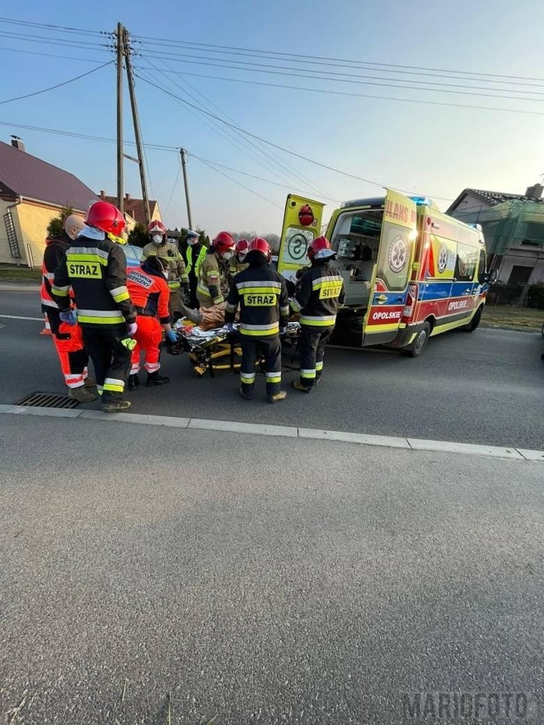Opole. Wypadek w Żerkowicach. Fiat zjechał z drogi i uderzył w przepust