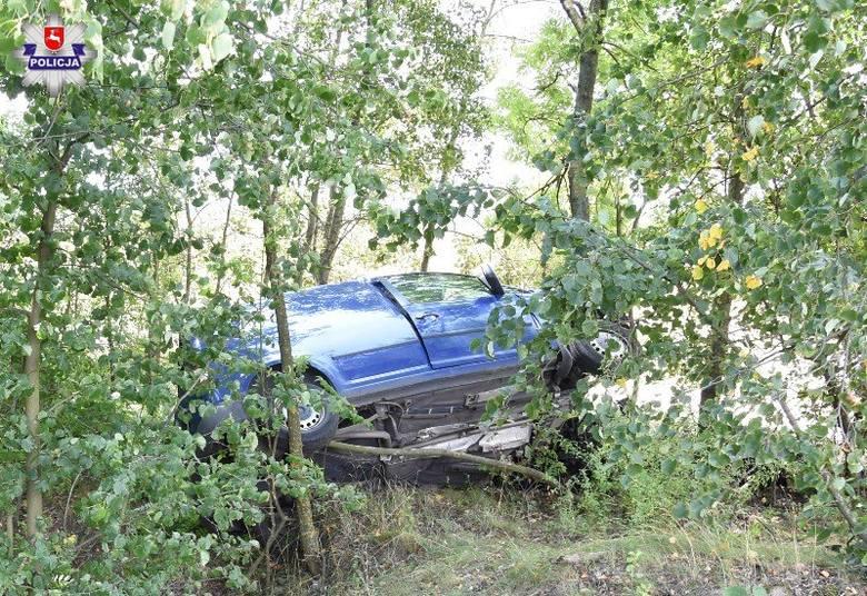 Śmiertelny wypadek w pow. łukowskim. Samochód uderzył w drzewa. Kierowca zginął na miejscu