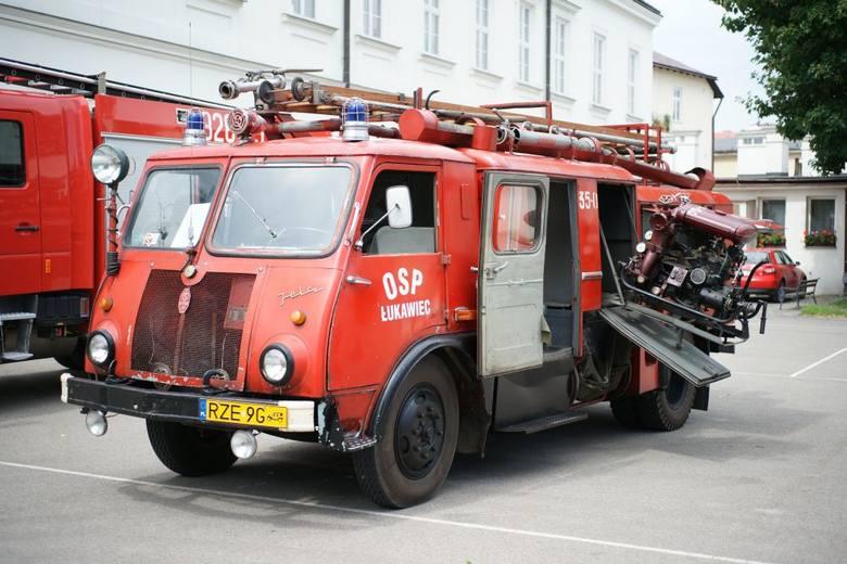 Piknik strażacki odbędzie się w ramach Muzealnego Wehikułu Czasu. Uczestnicy będą mogli m.in. zobaczyć pokaz zabytkowych i współczesnych sprzętów strażackich,