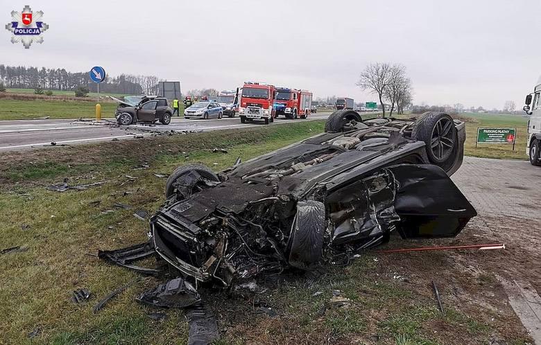 Wypadek w Dorohuczy. Czołowe zderzenie dwóch aut na trasie Piaski – Chełm