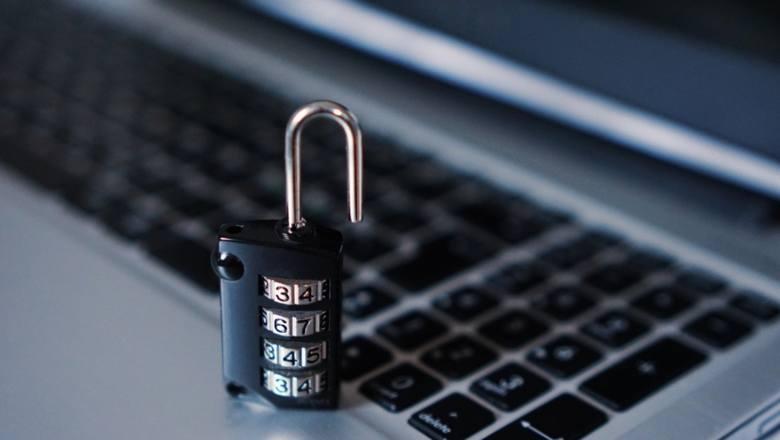Czy twoje pieniądze i dane są bezpieczne? Te strony padły ofiarą ataku hakerów!