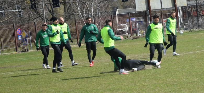 Na środowym treningu Radomiaka, który się odbył na boisku przy ulicy Struga 63 byli wszyscy piłkarze. Indywidualnie trenował Damian Gąska. Jego występ