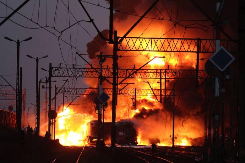 Ponad osiem lat po katastrofie kolejowej w pobliżu tunelu Nila kończy się proces apelacyjny maszynistów. Dalej zobaczysz więcej archiwalnych zdjęć z