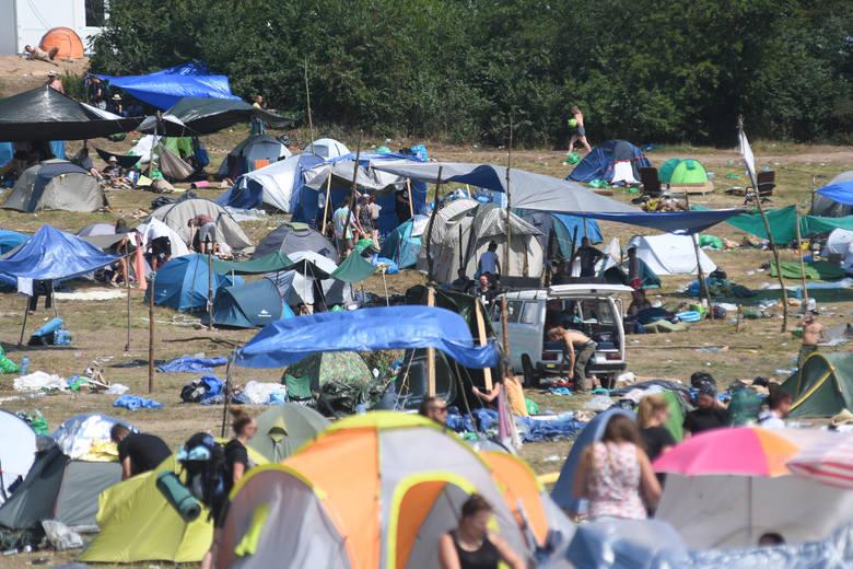 400 ton - tyle śmieci według organizatora Pol'and'Rock Festiwalu trzeba co roku wywieźć z terenu imprezy. Po raz drugi odbyła się akcja Zaraz Będzie