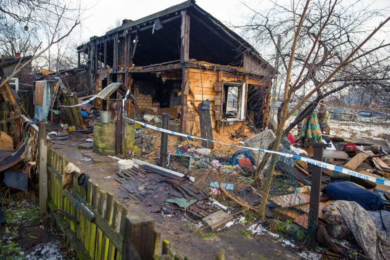Pożar wybuchł w piątek około godz. 2 w nocy. Palił się drewniany dom przy ul. Ciołkowskiego.