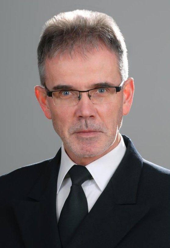 Janusz ZarębskiRektor Uniwersytetu Morskiego w Gdyni, uczelni, z którą związany jest już od ponad 30 lat. Profesor nauk technicznych. Jego zainteresowania