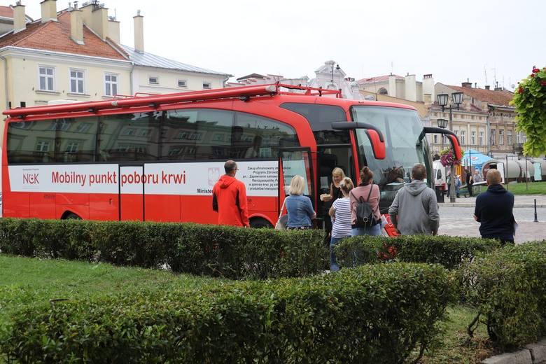 """Rekordowa """"Ulica zdrowia"""" w Jarosławiu. Nowością była możliwość konsultacji ze specjalistą na temat bezpiecznego zbierania grzybów"""