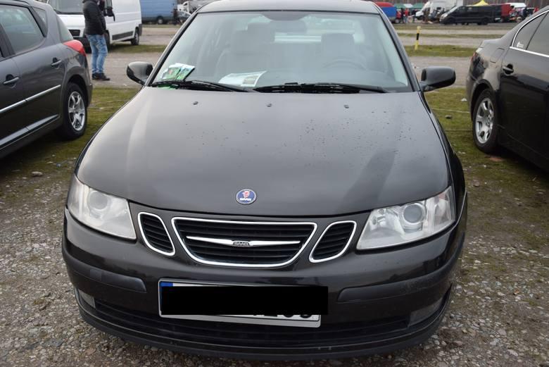 Saab 9-3- rok produkcji 2003, z silnikiem 2.2 diesel, stan licznika 292 tys. km. Cena 7800 zł