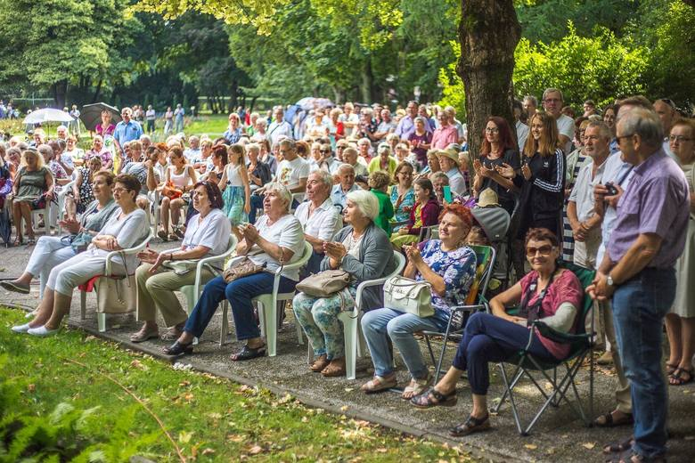 W niedzielę, 28 czerwca, rozpoczyna się w Słupsku cykl koncertów Garden Party u Karola. Jak zwykle odbywać się będą w lipcu i sierpniu w niedziele w