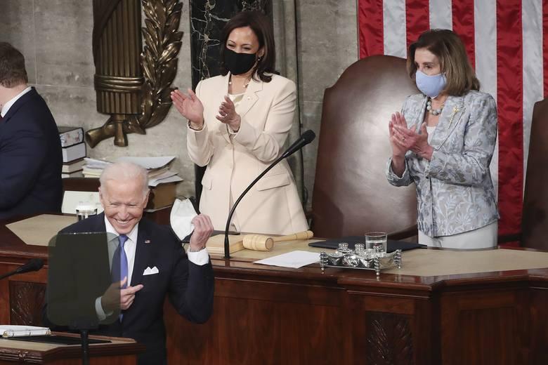 """Pierwsze przemówienia prezydenta Joe Bidena w Kongresie: """"Ameryka znów rusza do przodu"""""""