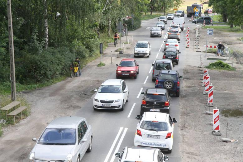 Szybkość dojazdu z jednego miejsca w drugie, możliwość zaparkowania samochodu, mało kolizji na ulicach i niewielkie korki. To jedne z najważniejszych